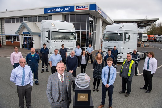 The-British-dealer-group-Lawrence-Vehicles-has-been-awarded-DAF-Dealer-of-the-Year-2021-02